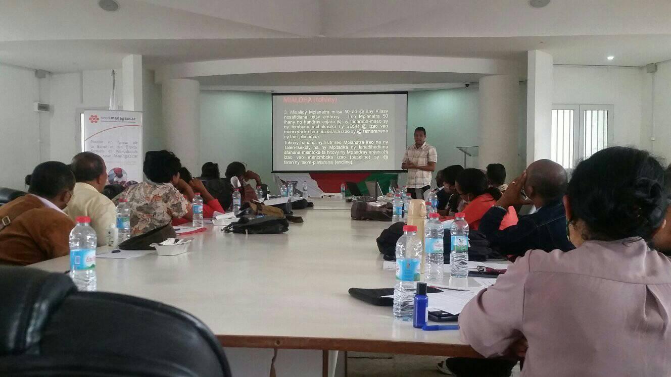 Renforcement de capacité des équipes de la Direction des Curricula et des Recherches Pédagogiques en vue de la passation de programme